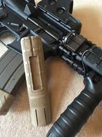 TangoDown Rail Grip w Pocket (BP-4S) FDE