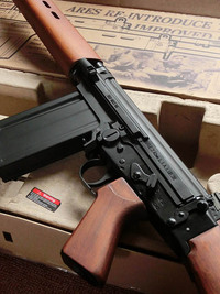 ARES L1A1 SLR 電動ガン(Real Wood)