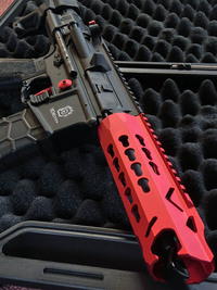 VFC Avalon Leopard CQB AEG (Red) (ガンケース付 DX/Japan Version)