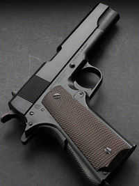 KWA M1911A1 GBB(Black Version, ns2 SYSTEM) 比較
