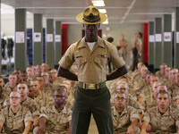 アメリカ海兵隊 半袖 サービスシャツ入荷