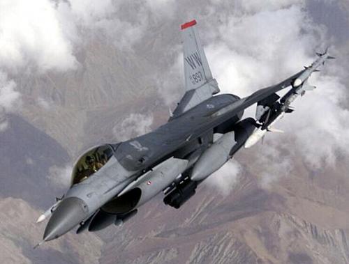 F-16CJ バイパー戦闘爆撃機