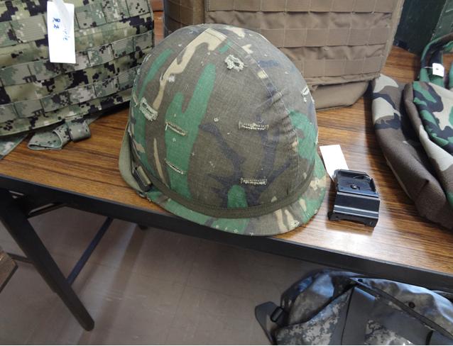 ベトナム戦殆ど未使用ヘルメット