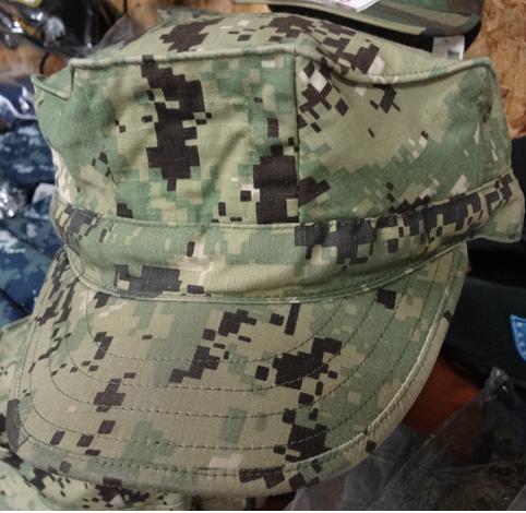米海軍デジタルグリーンAOR2八角キャプ