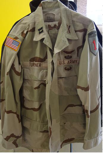 米陸軍の山岳戦、砂漠戦戦闘時のジャケット
