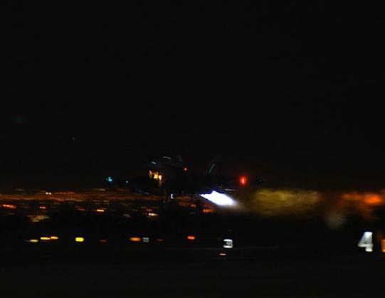 米海軍夜間特殊(電子戦)飛行訓練