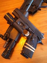 『MP5』 西海岸っぽくキメる也。