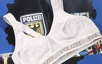 ドイツ警察のブラジャー
