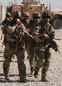 SOTG画像①と隊員の履物