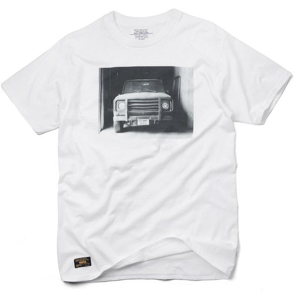 17SS INTERNATIONAL CAR PHOTO  T-Shirt