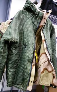 特価品:ナイトグリッドリバーシブルゴアテックスジャケット