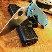 勤務中の携行ナイフ