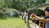 <5種類の銃、いよいよ撃ちます!>卒業旅行の7人組<ビギナーズ・パック>
