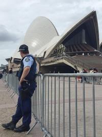 NSW POLICE装備 in シドニー!