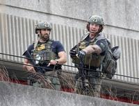 今月起こったハリウッド国際空港銃乱射事件について