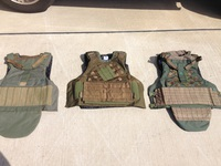 Defender-2 の比較(normal, molle, emerald)